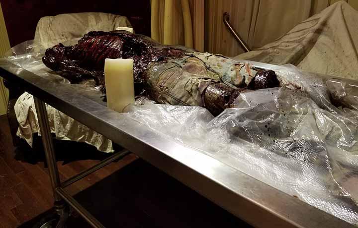 Embalming Room Zombie Escape